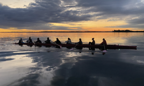 Olalla Levi '23 rowing with her team.